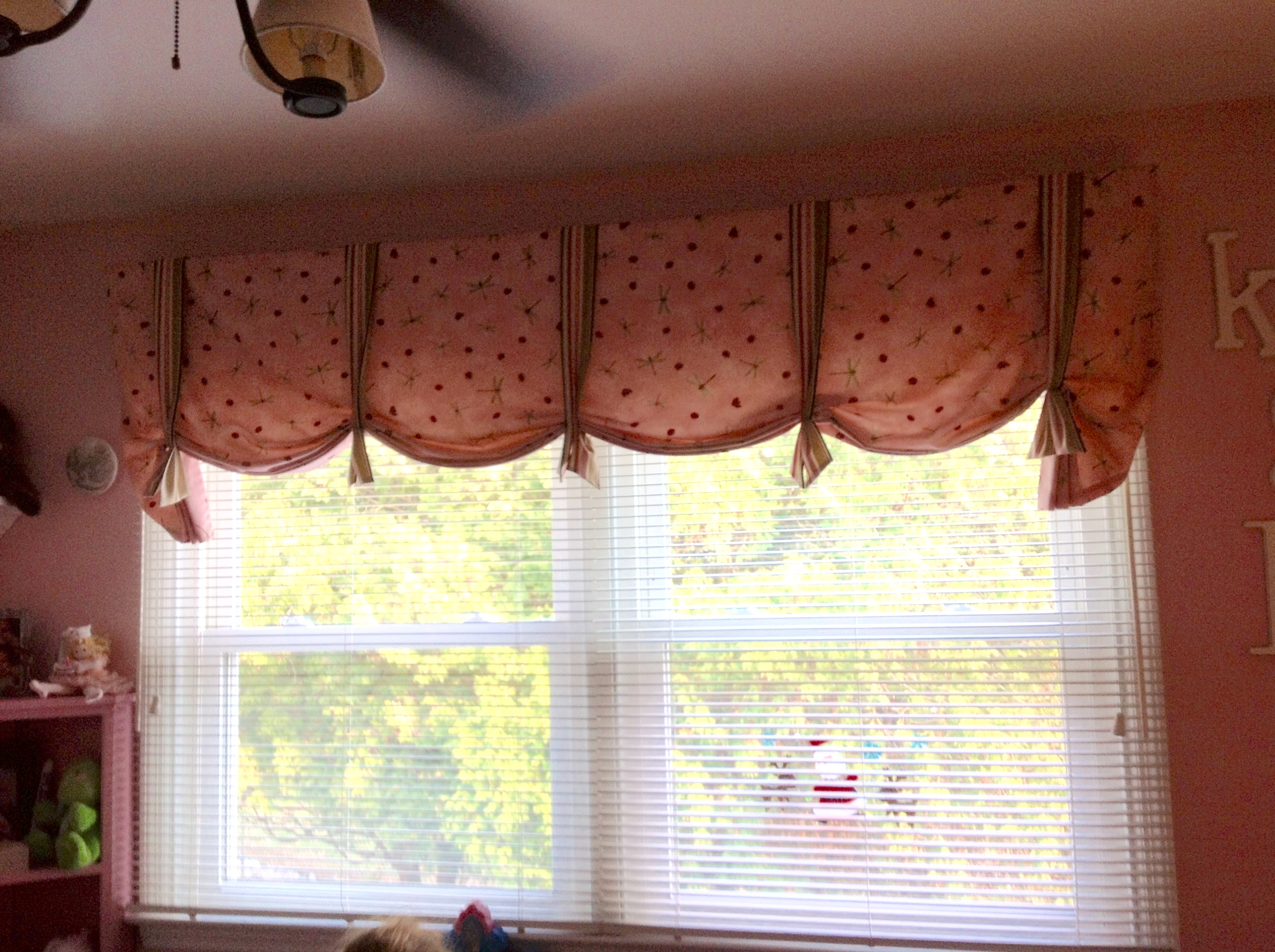 Dragonfly valance with ties for child's bedroom