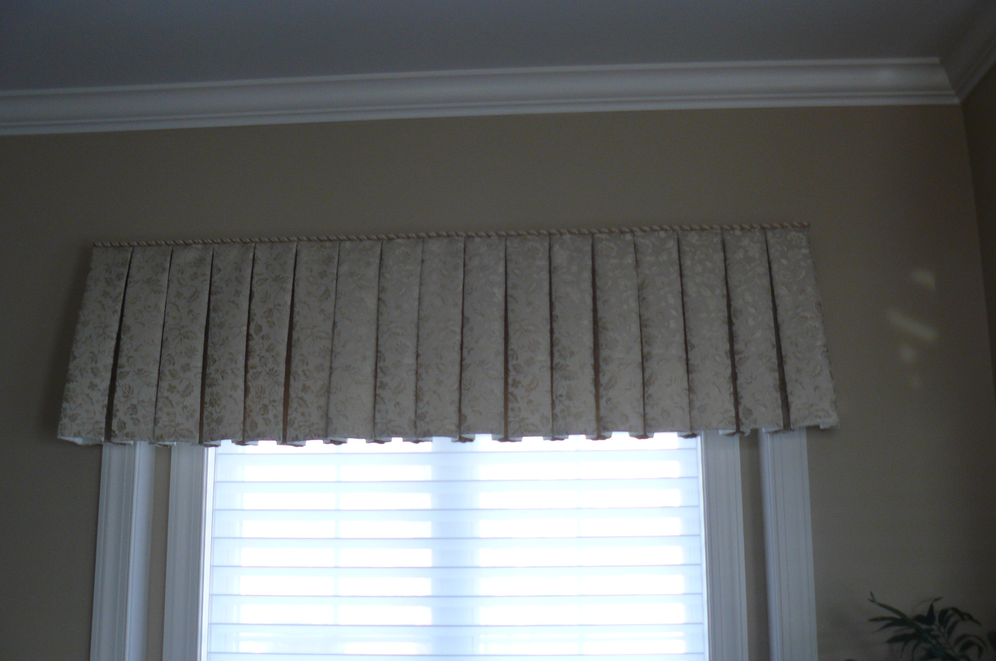 Board mount box pleat valance in living room window